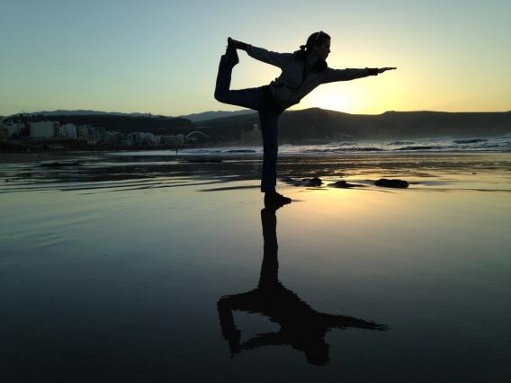 beach-sea-silhouette-sunrise-sunset-sunlight-833863-pxhere.com