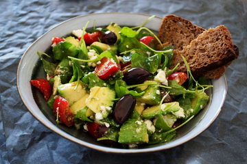 bowl-salad-avocado-rocket-arugula-tomato-1439137-pxhere.com(1)
